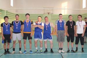 Синдинская команда по волейболу. май 2016 г.